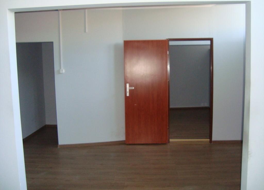 PRAWOBRZEŻE: hale i biura na wynajem