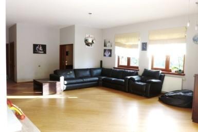 Dom parterowy 433 m2 w Dobrej