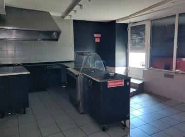 Lokal pod gastronomię, sklep, biuro lub usługi.
