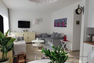 Komfortowy apartament z ogródkiem blisko plaży