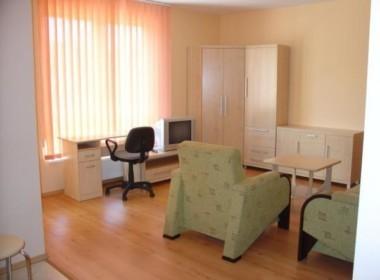 Stare Miasto 40 m2 1 pokój, balkon 1500 zł + 600