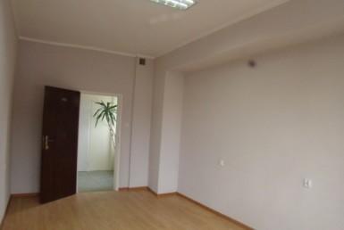 Biuro 18 m2, 34 zł/m2 wraz z mediami