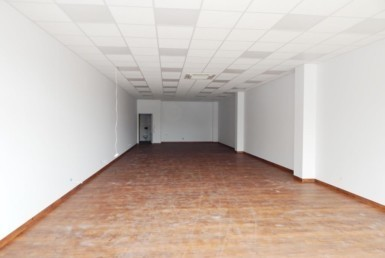 Pow. 110 m2, mag-handl, witryny