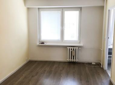 2 pokoje, I piętro w niskim bloku, Pomorzany