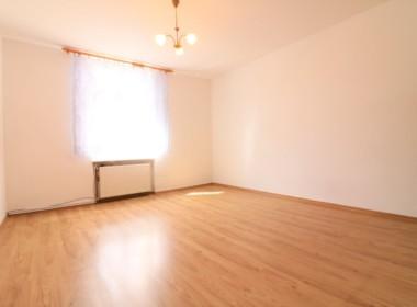 2 pokoje + 400m ogródka + garaż, Podjuchy