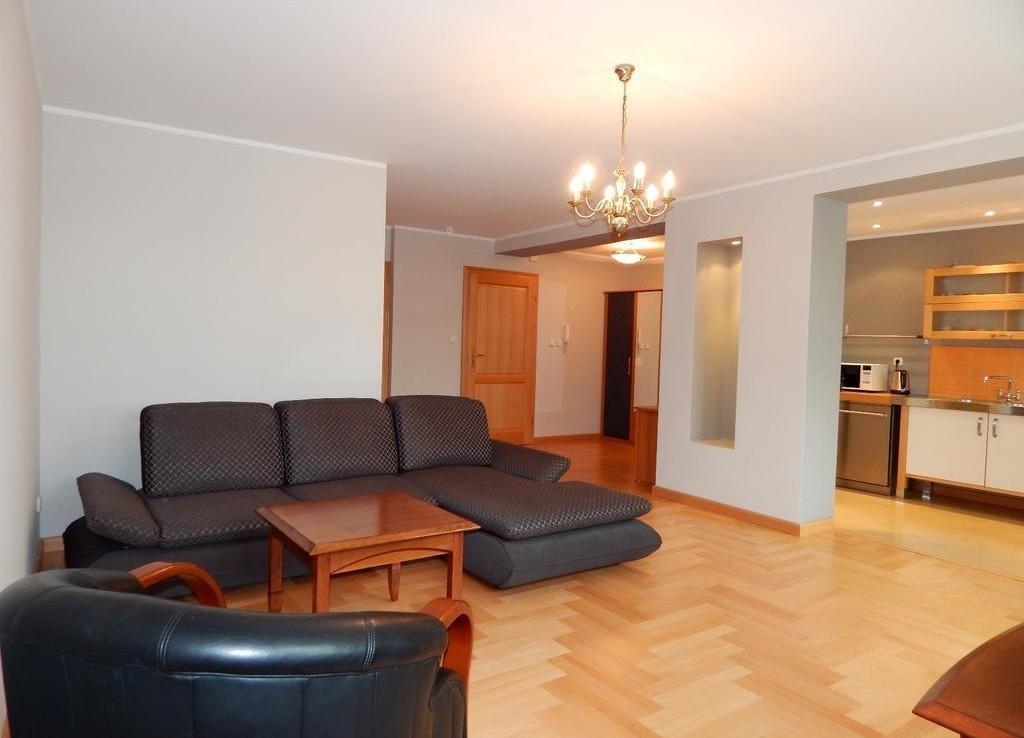 Atrakcyjny 2 pokojowy apartament na Starówce