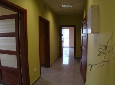 Płonia nowoczesny, komfortowy obiekt biuro 70 m2