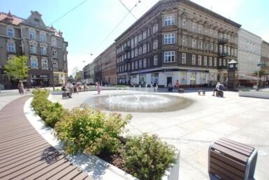 Lokal z widokiem na Plac Zamenhofa
