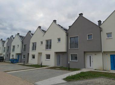 Gumieńce nowy dom w zabudowie szeregowej