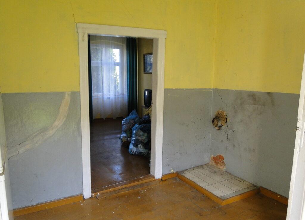 Na sprzedaż dom do remontu.