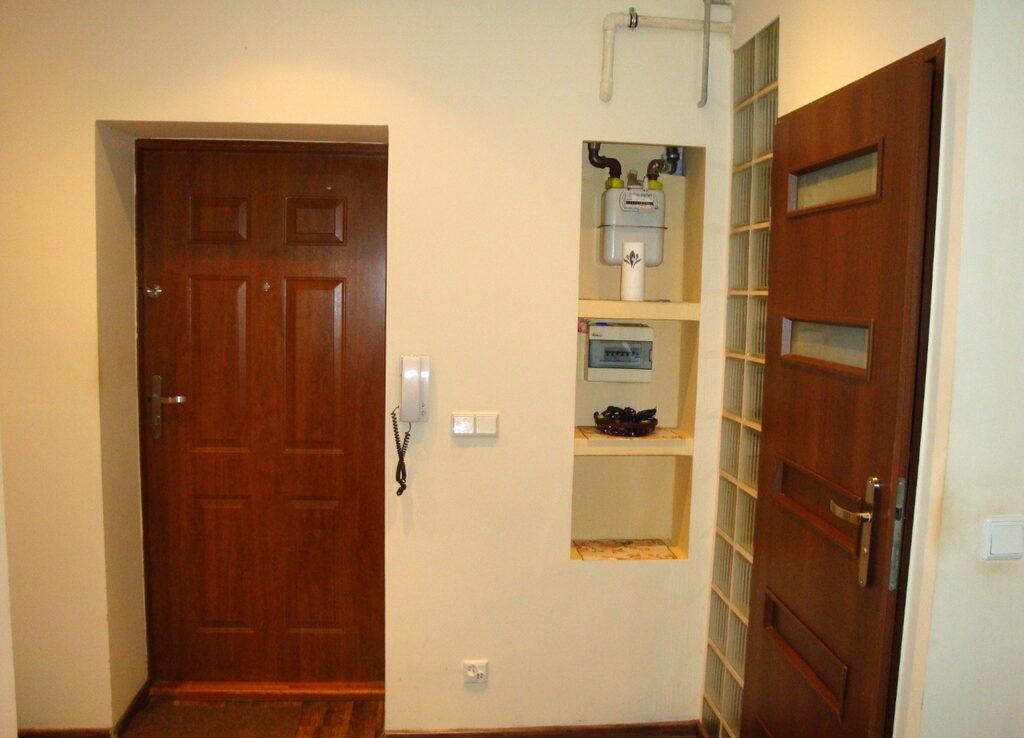 Prawobrzeże, 2 pokoje, piwnica, parter