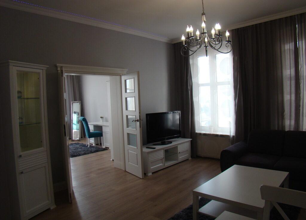 Wały Chrobrego, 2 pokoje I p. 68 m2 2400 zł.