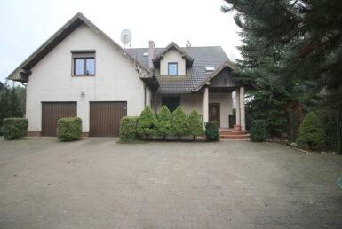 Przestronny dom wolnostojący w malowniczej okolicy